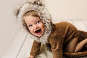 1-vuotias poika karhupuvussa